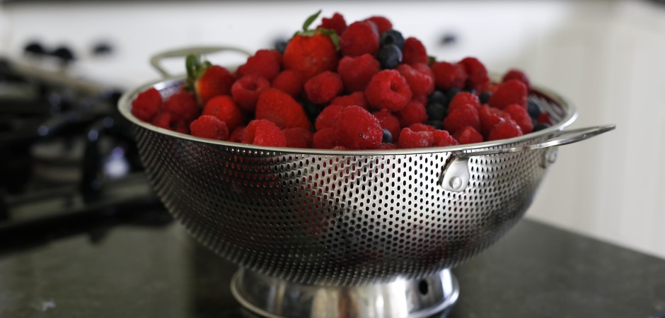 LiveFresh Fine Micro-perforated Stainless Steel 5 Quart Colander